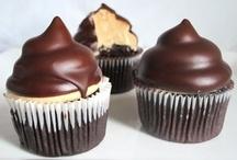 Cakes & Cookies / by Veronica Brown