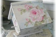 VINTAGE DREAMS - Shabby Garden / Shabby Chic and Vintage outdoor decorations. / by Diane Blair