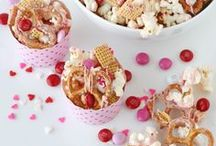 Make Her Heart Swoon / Valentines Day Board. All of the best Valentines pins in one place! / by Dishin' With Rebelle