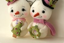 Christmas sewing & other crafts / by Marci Hunter (Plusheez)
