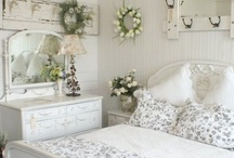 dreamy bedrooms! / by Sara Colenutt