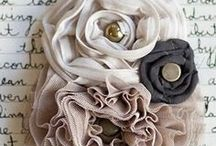 {Crafts} Accessories & Clothes / by Lindsey Brogdon