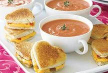{Food} Soups / by Lindsey Brogdon
