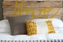 Beds and Headboards / by McKenzie Guymon {Girl Loves Glam}