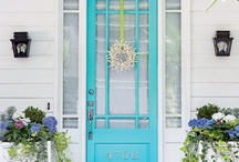 Melissa likes bright coloured doors / by bakingmakesthingsbetter.com