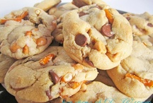 Desserts- Cookies & Bars / by Crystal Ashton