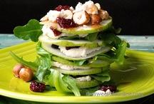Salads, Soups & Side Dishes / by Susan Lehner