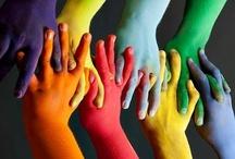 Hands / Articulaciones perfectas, la primera extensión de nuestro cuerpo que nos acerca a los demas; prolongación de pensamientos creativos, comunicadoras,  expresivas de aquel al que pertenecen  Son hermosas y detallistas,reveladoras, ofrecen caricias, dulces golpe de apoyo aquien más lo necesita,representan unidad, fuerza, cariño... Si precisas una mano, recuerda que yo tengo dos.  / by María Rodríguez Reyes