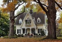 Charming Homes / by Laurie Hambleton
