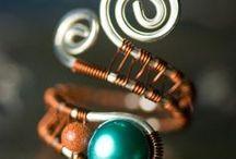 Jewelry inspirations-wire / by Stephanie Zajdel
