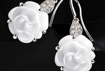 Jewelry I Love / by Kelsea Wood
