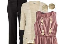 Outfits / by Jessica Ricketson