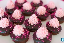 cupcake love / by Laura Winslow