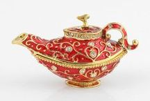 Teapots / by Yvonne Hedlund