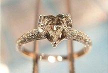 Future Wedding / by Alyssa Viveros