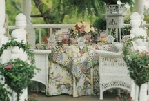Romantic Gardens / by Isabelle - Romantic at Heart