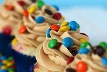 Cupcakes & Muffins / by Allie Salazar