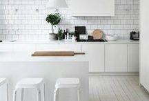 I Love Kitchens and Bathrooms / by Aracely Coronado