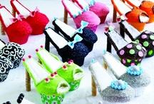 Cupcakes / by Janet Derwinski