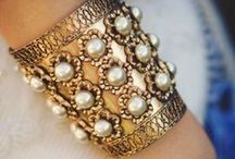 Bags & Accessories / Fashion accessory trends - from jewelry to purses and bags! / by Yahoo Shopping