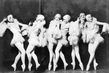 Gottaaa!!! Dance!!! / by Caroline Colón