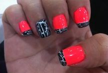 Nails / by Kassidy De Jong