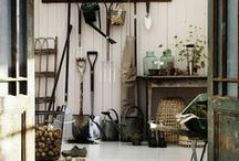 Garden Potting shed / by Cinnamon Hill