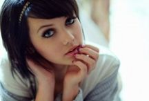 Style & Beauty| Medium Hair Cuts / by Melissa Prado