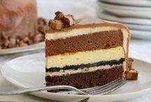Cakes/Cupcakes / by Christina Perri