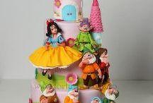 decorate cakes / by Maria Cristina Henao