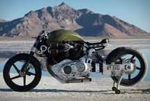 Moto Love / by Justin Bartels