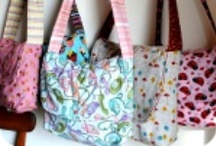 SEWING - BAGS & TOTES / by Phyllis Closser