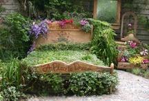 Garden Ideas that make me Happy / by Melanie Dawn Nelson