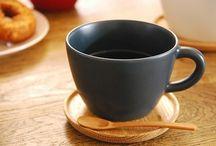 tè / Tea pots, cups, saucers, accoutrement / by Anna Julia