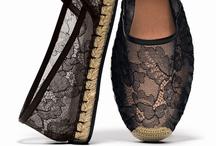 Shoes / by Montse Luna