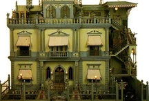 Vintage Doll Houses / by Hanneke Hofstee