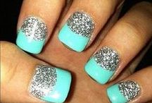 Adorable Nails / by Brianna Rosia
