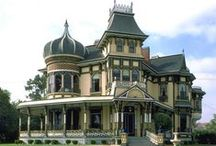 Victorian Homes / by Rhonda White