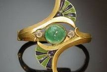 Jewelry orgy / by Carol Suveda