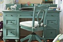 D E S K S P A C E / Work Space - Small Corners - Office - Organized / by Crystal Stewart