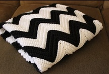Crochet chevron carpet / by Erica Mundys