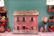 DoLL HouSeS / Doll houses and miniatures... / by Stampin D'Amour