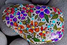 DIY & Crafts / by Lynette Veenhouwer