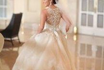 Wedding Dress. Bride & Groom / by Andrea Cabrera