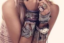 Fashion Forward >>> / by Trisha DeGrazio