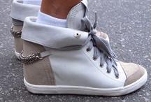 CollegeFashionista: Swag Sneakers / by Manuela Almeida