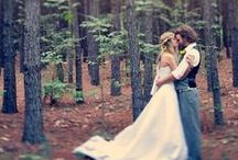 Woodsy Wedding / Epic scenery and elegantly rugged.  / by Beau-coup