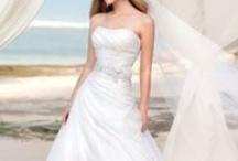 Beach Wedding Dress / by Mango Ni