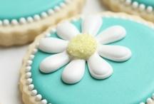 cake biz / by Rachel Perez