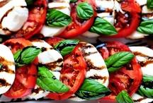 Food - Italian Cuisine / by Lisa Möhring